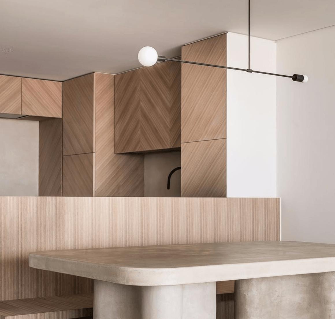 interieur-interior-keuken-kitchen-tafel natuursteen-table natural stone-schrijnwerk hout visgraat-custom made joinery herringbone