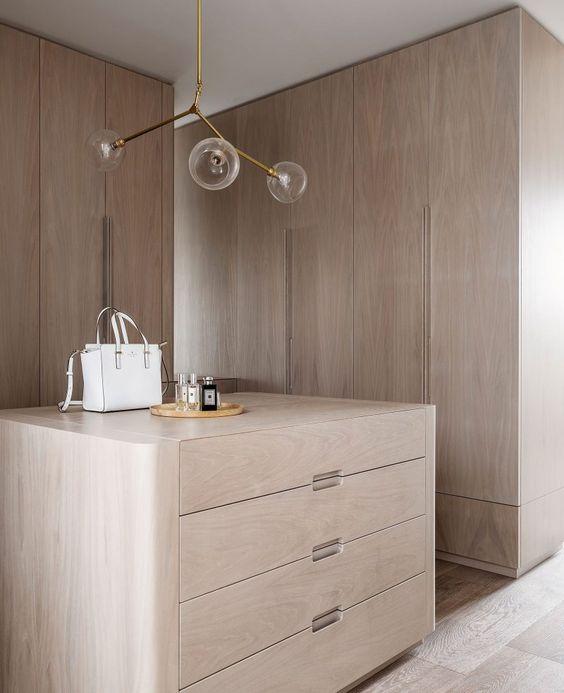 interieur-interior-villa-house-dressing-light oak-lichte eik-ronde vormen-round shapes-maatwerk-parket eik-parquet oak