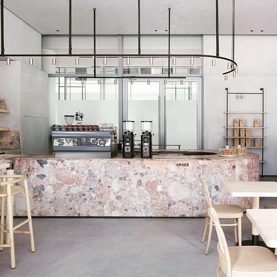bar-restaurant-retail-pink marble-roze marmer-hout-beton-wood-concrete