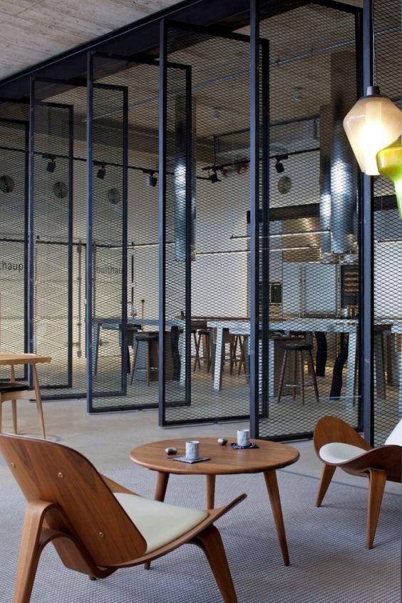 office-kantoor-hotel-lobby-restaurant-bar-strekmetaal-beton-concrete-metal-industrial-industrieel