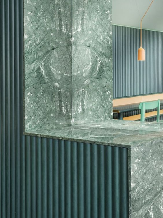 office-kantoor-restaurant-retail-green-groene marmer-green marble-wood-terracotta