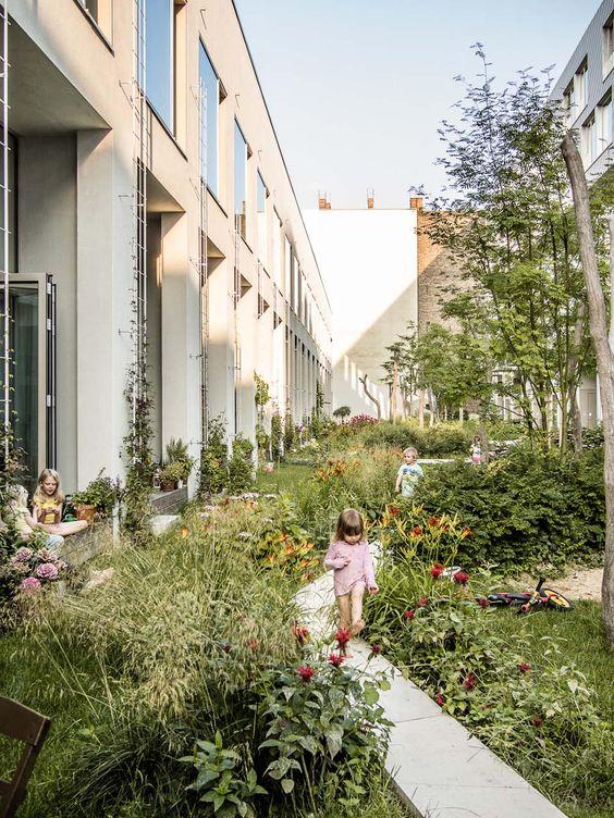 public space-publieke ruimte-cohousing-commengarden-gemeenschapstuin