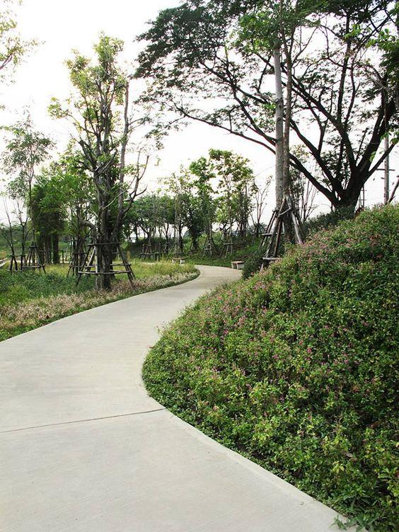 public space-publieke ruimte-concrete-pad beton-heuvels