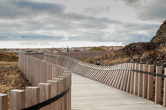 public space-publieke ruimte-wandelpad-brug-hout-wood