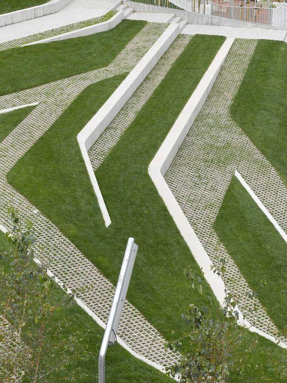 publieke ruimte-public space-stears-trappen-wit-with