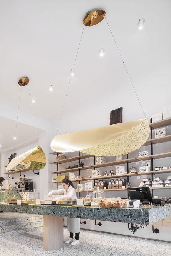 shop-winkel-retail-groene marmer-green marble-gold-goud-terrazzo