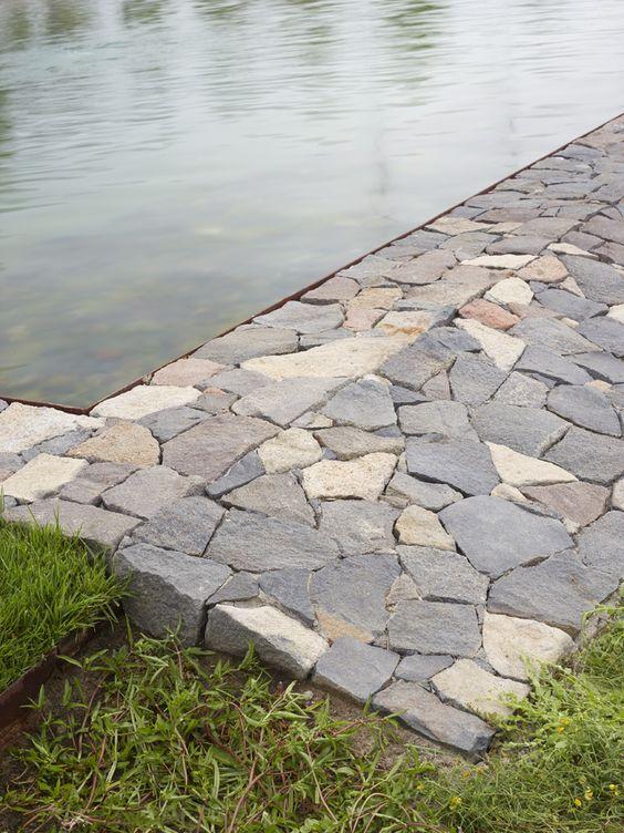 tuin-garden-detail zwemvijver rand-flagstones-cortenstaal